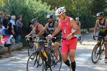 Atleti del triathlon a Sant'Isidoro