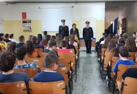 Matino, carabinieri a scuola