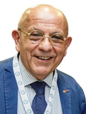 Il professore Lamberto Coppola di Gallipoli