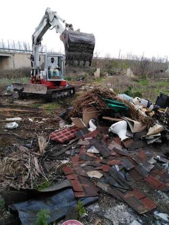 Taviano, bonifica rifiuti abbandonati