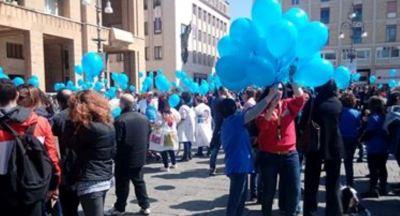 Amici di Nico in piazza a Lecce