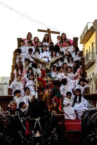 Galatone, il carro di Sant'Elena