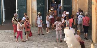Turisti al castello di Gallipoli