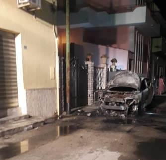 Supersano, in fiamme l'auto della compagna del sindaco Bruno Corrado