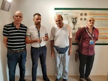 L'assessore Graziano Greco (il secondo da sinistra) e la guida turistica Angelo Minenna (l'ultimo a destra) insieme a due ospiti israeliani