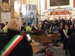 Galatone i funerali dei tre operai (2)