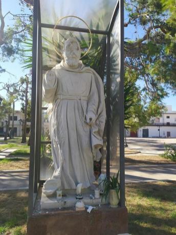 Taurisano La statua di Padre Pio danneggiata 3