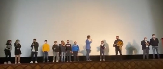 I compagni di Samuele Carrino sul palco