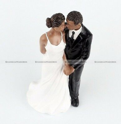 TRUE ROMANCE AFRICAN American Groom Lifting Bride Wedding Cake     Wedding Cake Toppers Resin African American Wedding Figurine Decoration S3