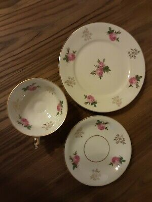 Collecting cups place setting 3 pieces;  very good condition - alka Bavaria