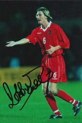 Robbie Savage Hand Signed 6X4 Photo - Football Autograph - Wales 1.