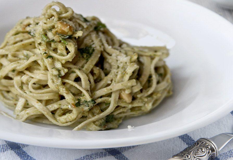 Spaghetti al rosmarino e pinoli