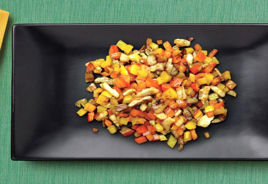 Dadolata di peperoni e pancetta