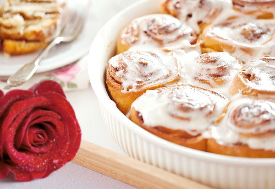 Lemon rose rolls