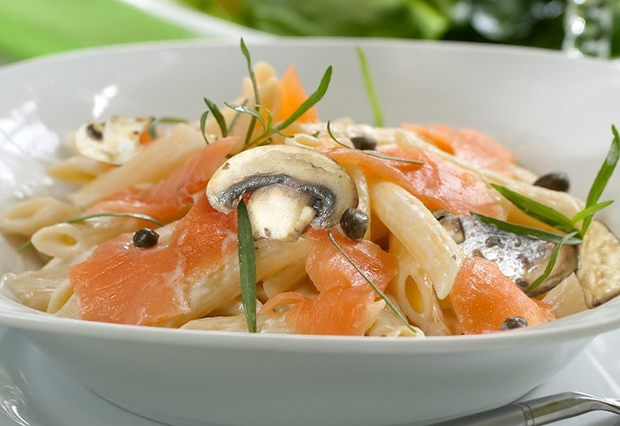 Penne al salmone e funghi