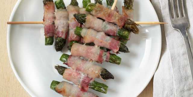 Spiedini di asparagi e bacon
