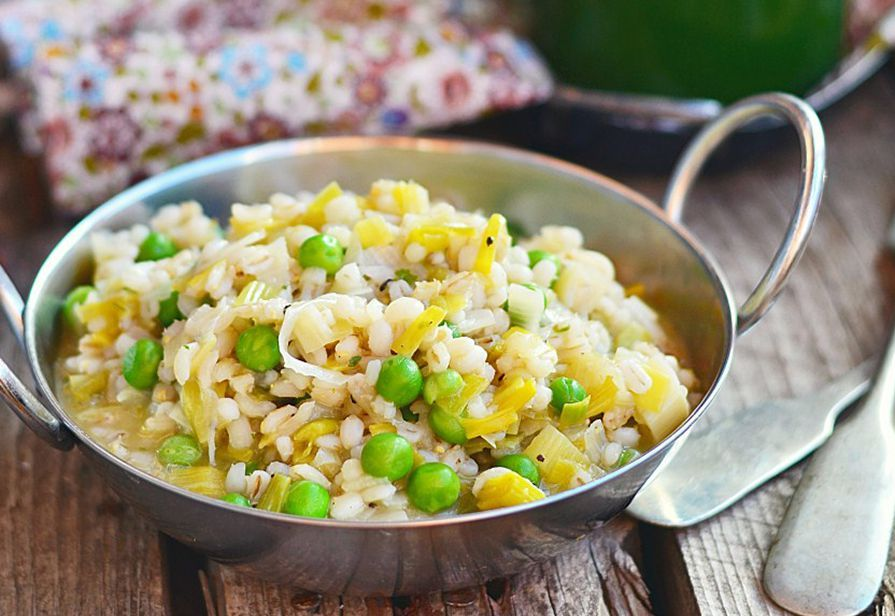 Zuppa di riso orzo e piselli