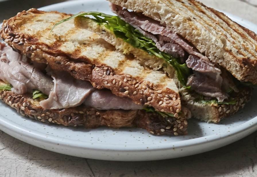 Sandwich al roastbeef e rafano