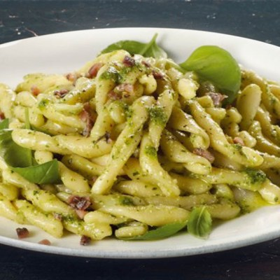 Fileja alle acciughe e pesto