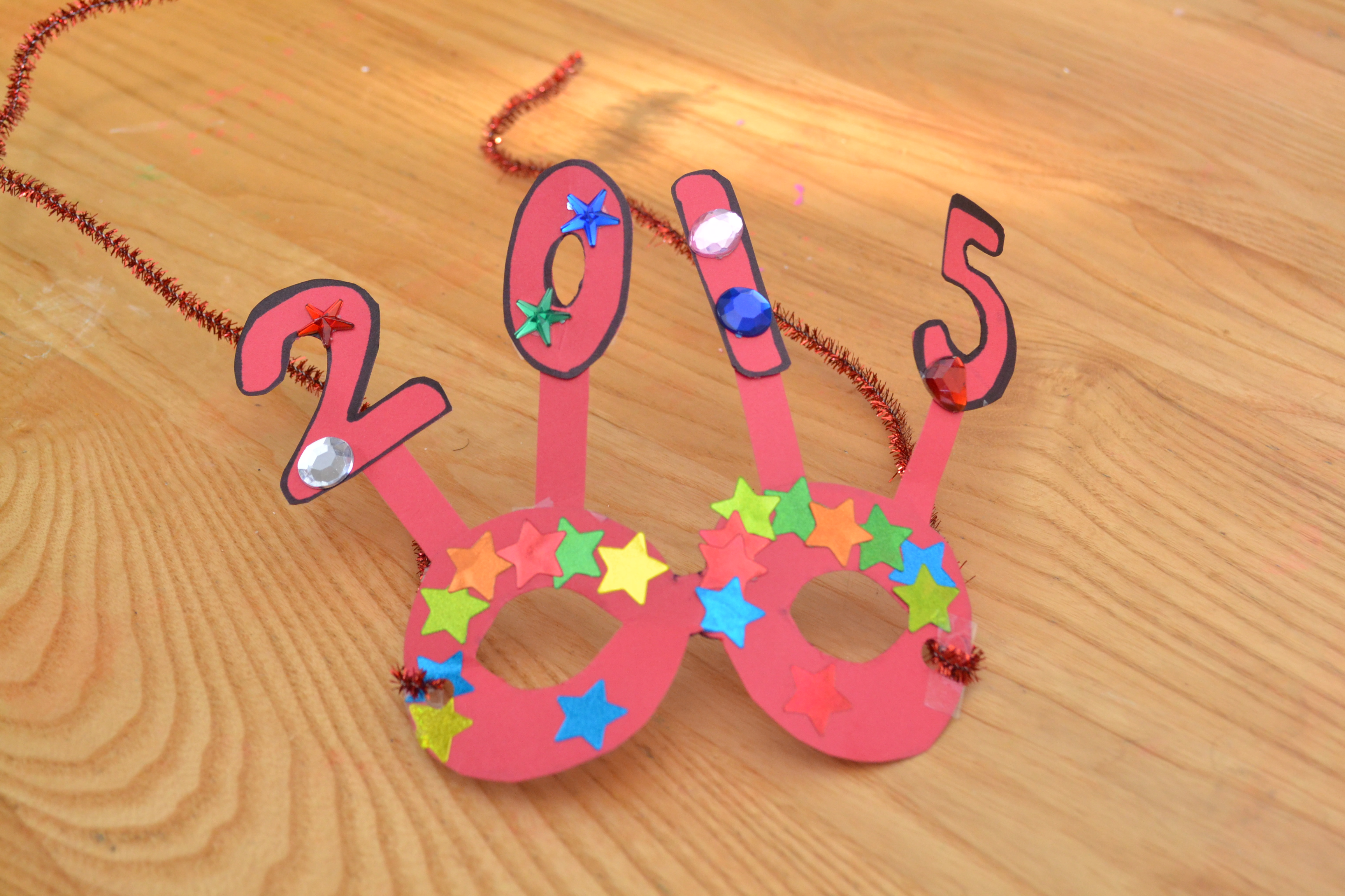 5 Easy New Years Crafts For Kids