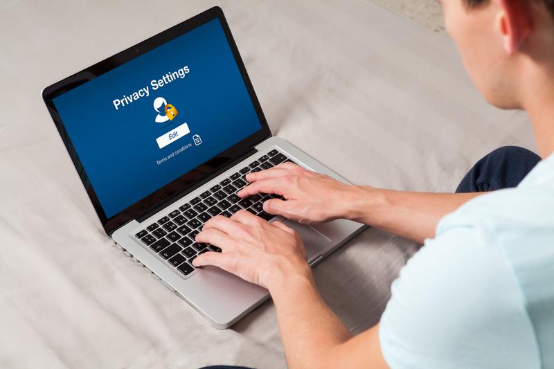Ocultar datos personales en el registro de un dominio