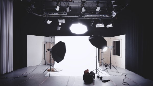 Amazon image requirements - shot of a studio photo shoot