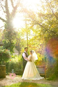 Bride and groom caught in a sun trap, perfect timing by photographer pickin images for photos.