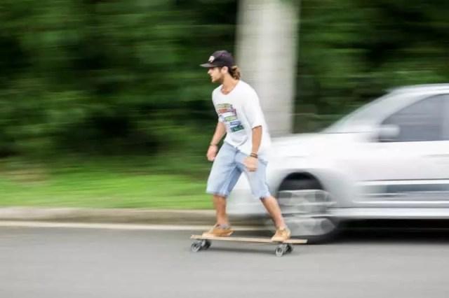 longboard-moving