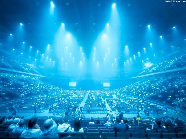 急に松田聖子のコンサートに来てます。
