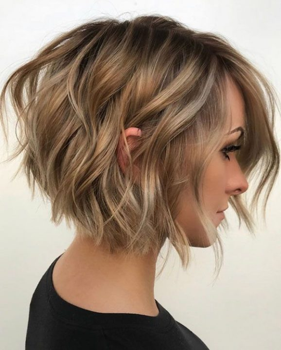 Short Hair Styles Design Idea for Women & Girls 0030