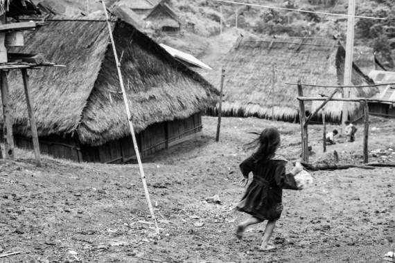 girl-running-black-and-white