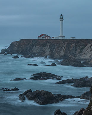 bad weather means good lighthouse photo
