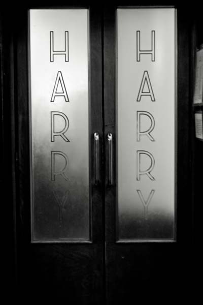 Harrys Venice Black and White