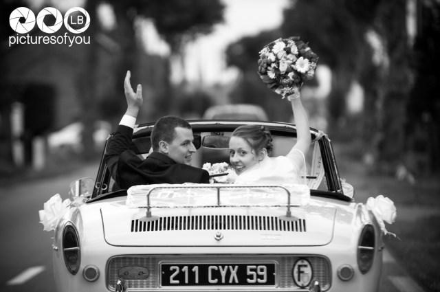 Reportage photos du mariage de Pauline et Antoine Vous avez pu découvrir Pauline et Antoine il y a peu lors de la session d'engagement. Voici les photos de leur mariage. Quel bel accueil réservé au photographe lors de cette superbe journée passée à Quesnoy sur Deûle (Nord / Pas de Calais). Un très beau couple formidablement entouré de leurs familles et amis.  <img src=