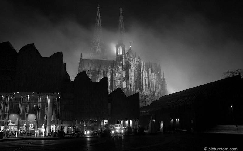 Kölner Dom im Nebel