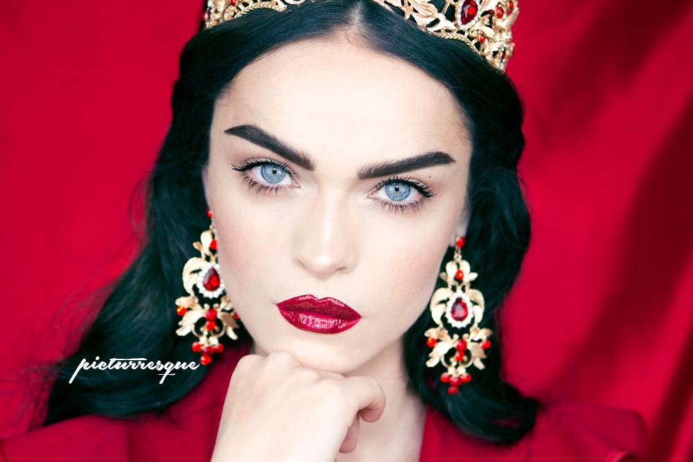 queen_red_picturresque