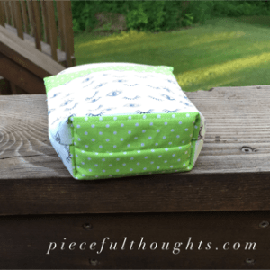 Little Projects - pouch bottom - piecefulthoughts.com