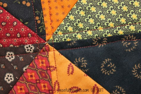 Autumn Calling Finish - quilting detail - piecefulthoughts.com (c) 2017