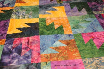 Flashback Friday - block and quilting detail - piecefulthoughts.com 2018