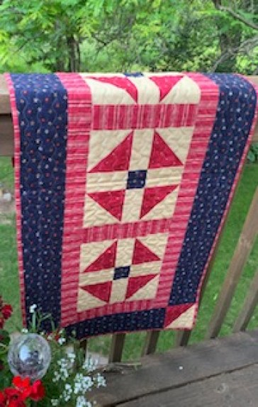 Swell Patriotic Tablerunner Ufo Pieceful Thoughts Of My Quilting Home Interior And Landscaping Eliaenasavecom