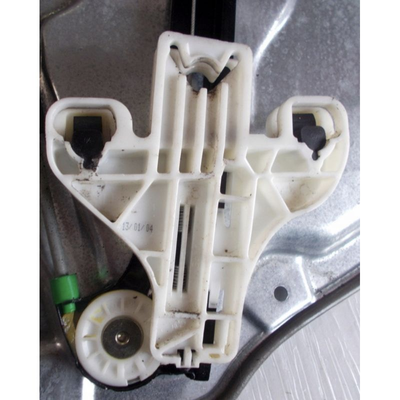Mechanism Of Back Window Winder Driver Side Without Motor