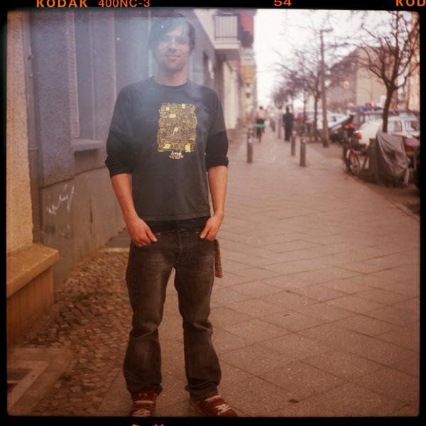 weltenbummlerIn, portrait, marcel, friedrichshain, bootsbauerIn, 30 - Pieces of Berlin - Collection - Blog