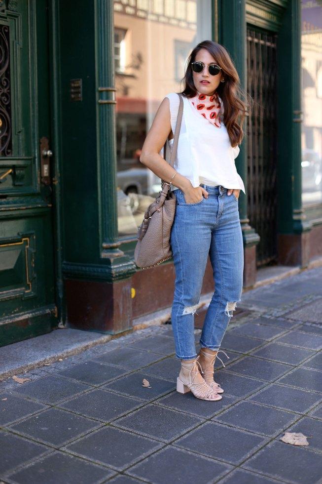 Maje Volanttop und Asos Mum Jeans