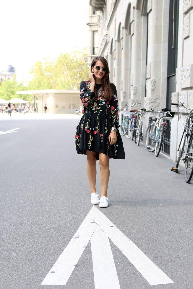 Sommerlook mit Zara Blumenkleid