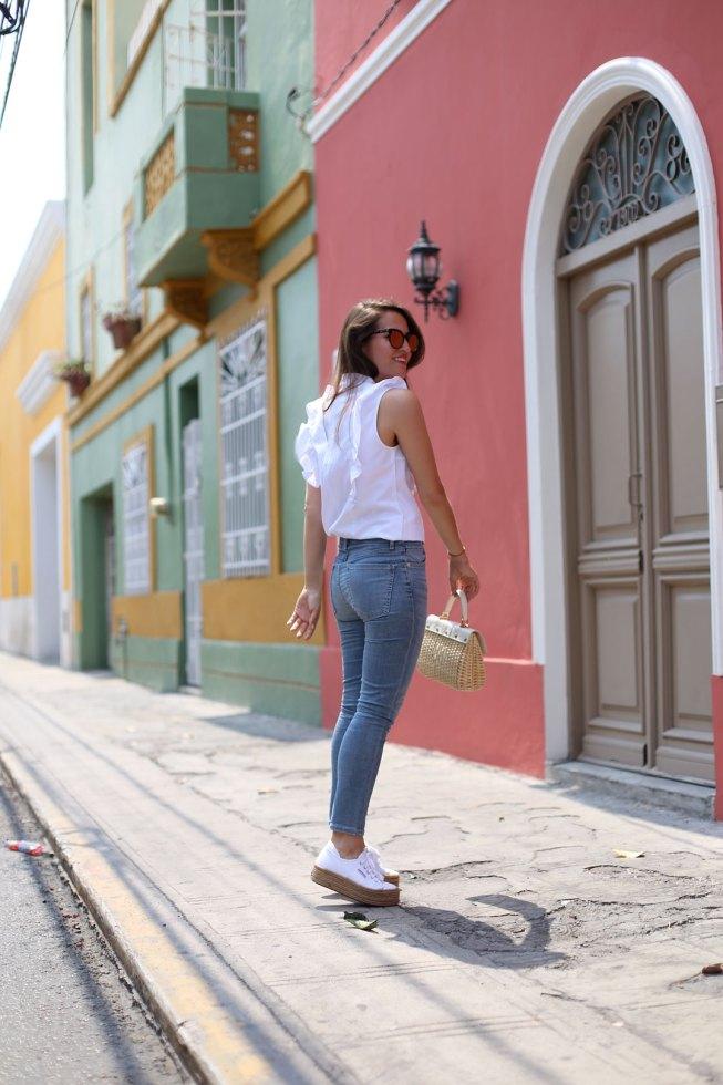 Merida // Rüschen Bluse, Agolde Skinny Jeans & Superga Platform Sneakers