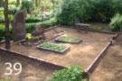 Sarkanbrūna granīta kapu sētiņa