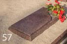 Daļēji slēgta kapu apmale no sarkana granīta
