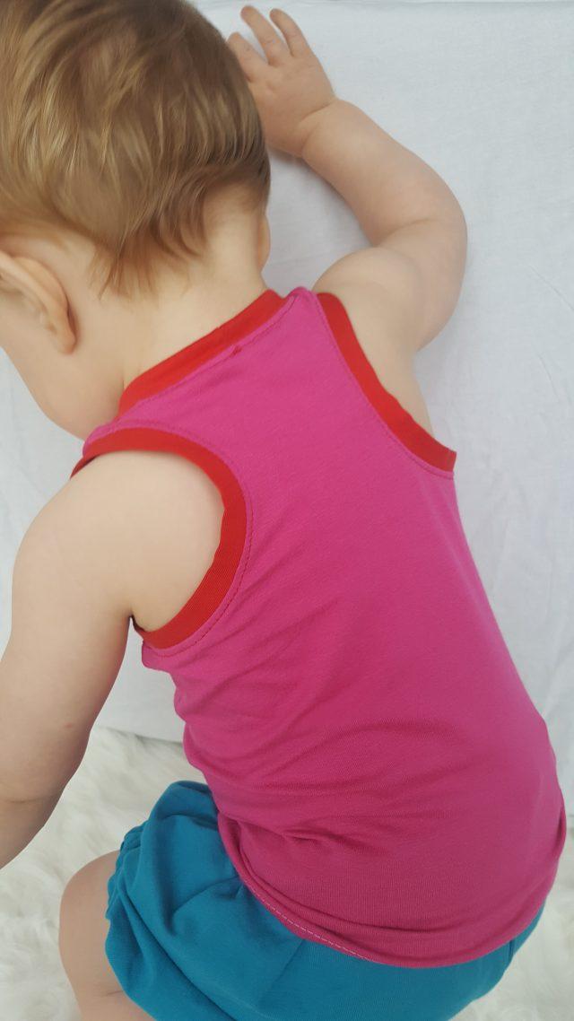 Free Fjara Baby Tank Top Pattern at www.pienkel.com, sewn by Mijn leven met vier helden