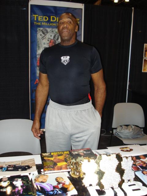 PiercingMetal Goes To NY Comic Con 2011: Day 4