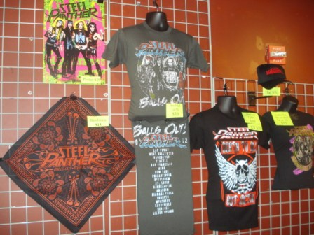 merch-steelpanther_071812_01